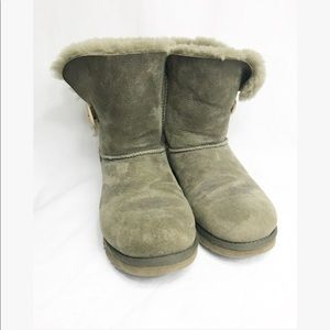 UGG• Dark Green warm boots